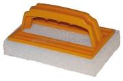 Spazzola abrasiva in nylon con impugnatura<br/><font color=#962308>Quantità Minima: 4 pezzi (1.7€ al p.zo) </font>